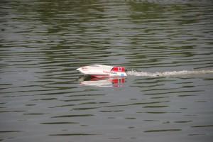 Schiffsmodelle-von-tflhobby-schnelles-F3-Boat-300x200 in Schnelle Schiffsmodelle mit Elektromotor